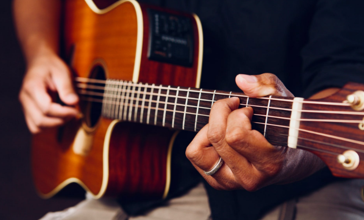 fingers guitar